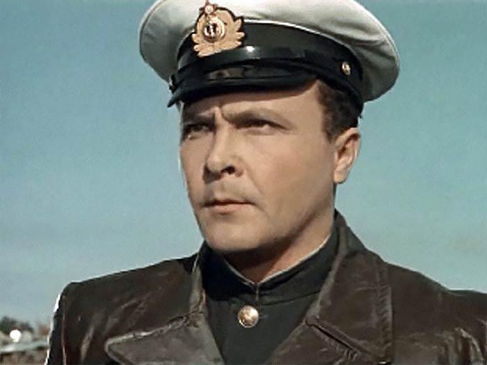 Александр Холодков в фильме «Звезды на крыльях», 1955 г.