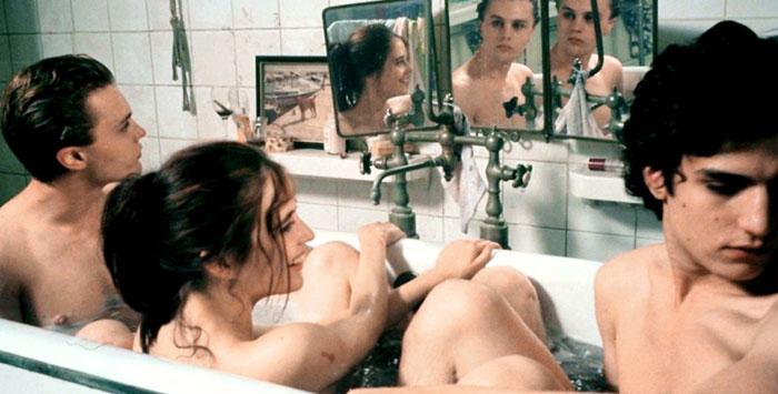Героиня актрисы Евы Грин исследует сексуальность на фоне парижской революции 1968 года («Мечтатели», 2003. Реж. Бернардо Бертолуччи)
