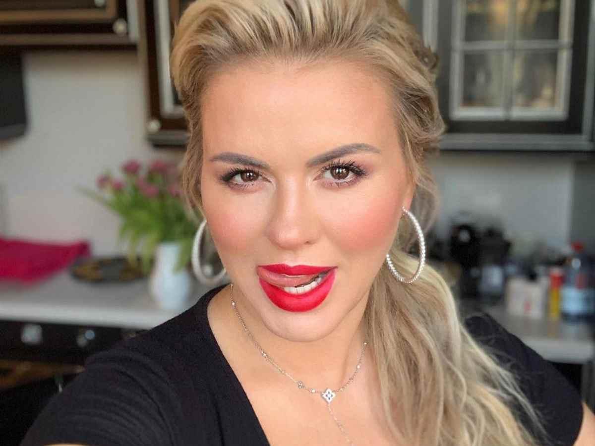 Анна Семенович побрила своего мужчину