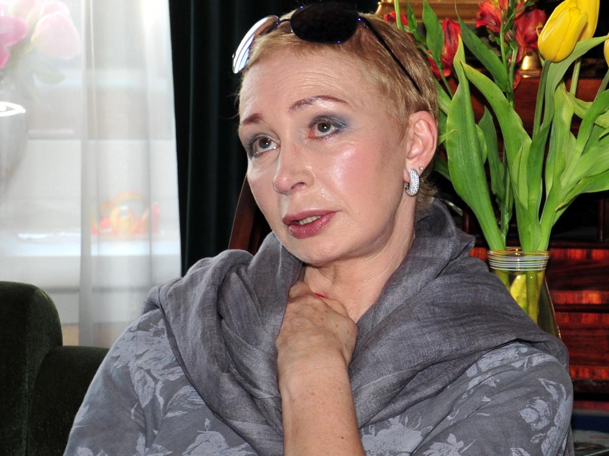 «Без слез не взглянешь»: что случилось с лицом актрисы Татьяны Васильевой