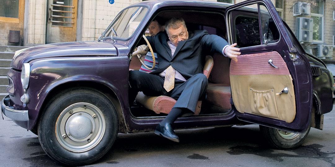 Владимир Жириновский купил этот баклажановый броневичок, будучи еще студентом. Машина стала для политика слегка маловата, но до сих пор на ходу