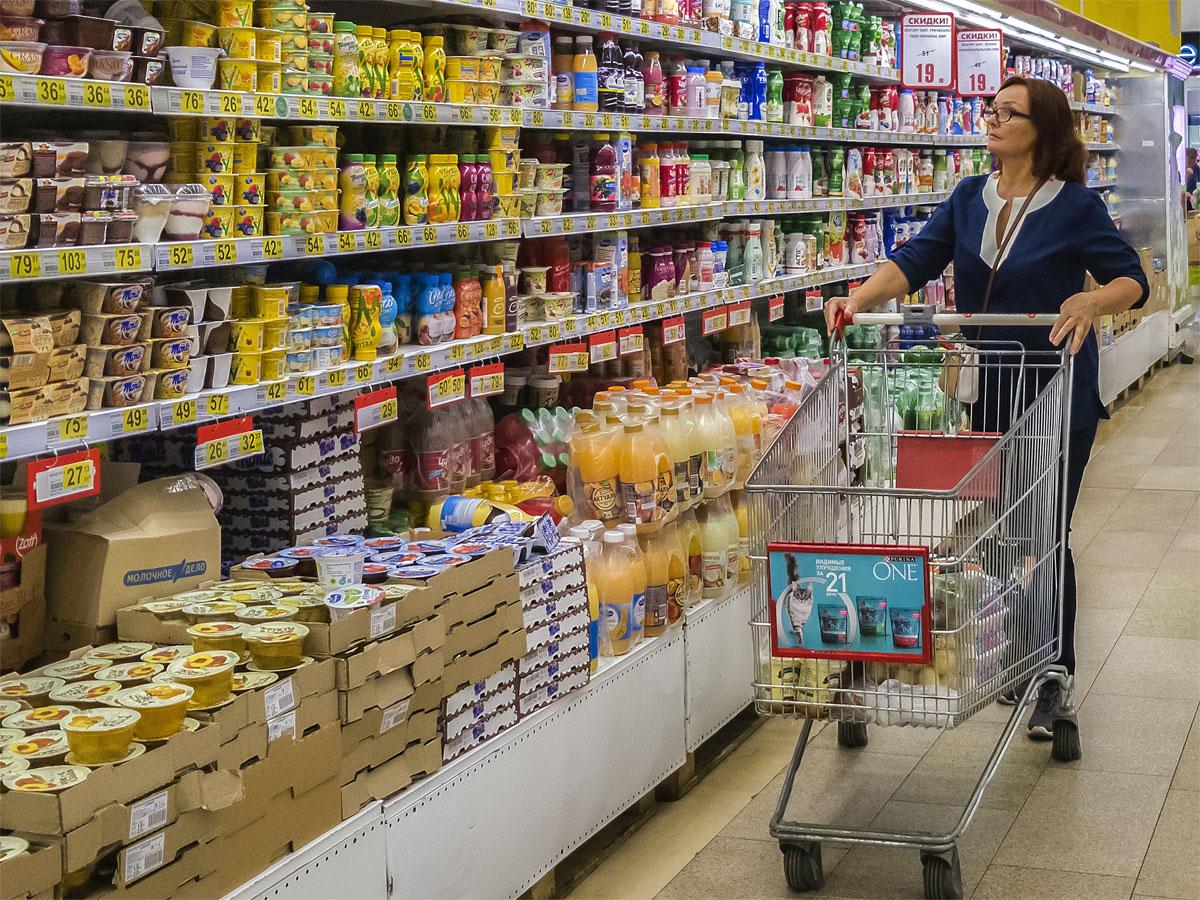 Отсутствие конкуренции со стороны зарубежных производителей обернулось для потребителей снижением качества еды и повышением цен