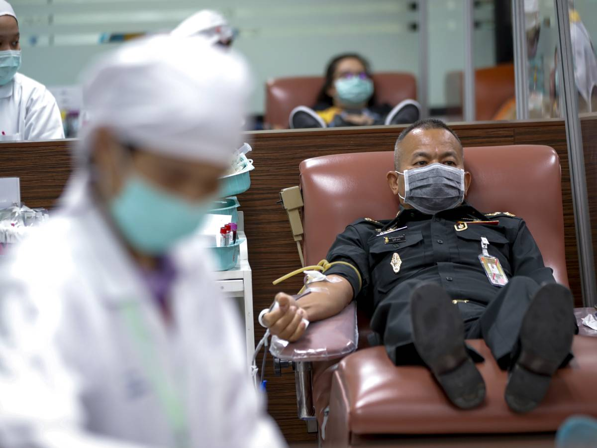Врачи: усталость может быть симптомом коронавируса