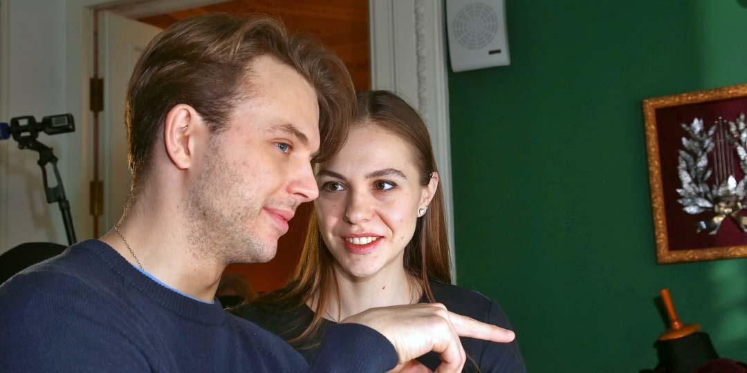 28-летний внук сладколюбца Андрея Миронова живет с писаной красавицей