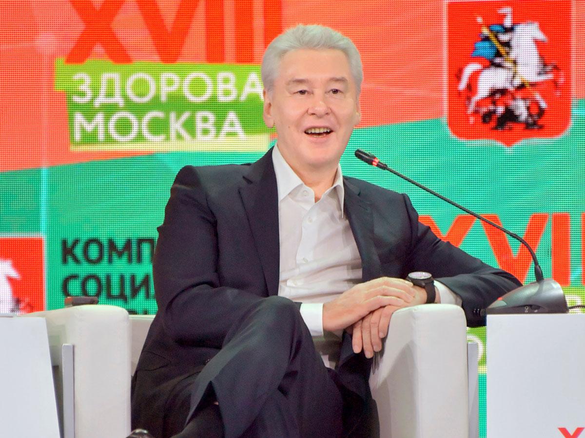 Считают ли мэра Москвы «сасным крашем»?
