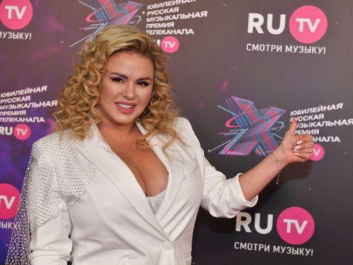 Смелый и с маникюром: Семенович рассказала о новом возлюбленном